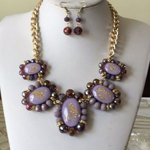 Light purple with gold oval bead necklace earring